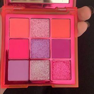 HUDA BEAUTY Makeup - Huda Beauty Neon Pink Obsessions
